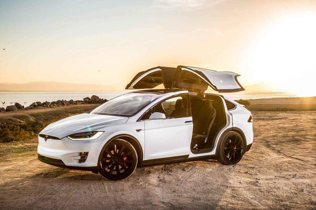 Tesla Model X Fiyatları - Tesla Elektrikli Otomobil Fiyatları