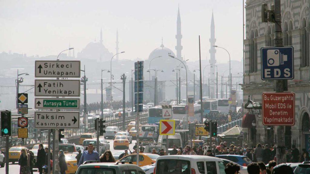 istanbul-trafigi-elektrikli-araba-ile-tasarruf-gorselleri