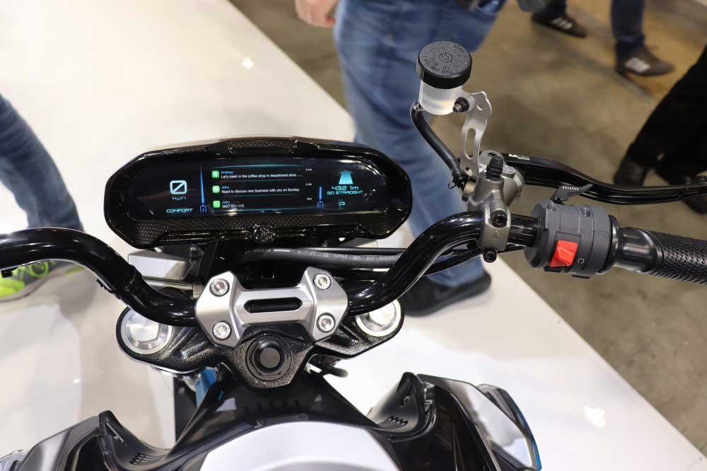 otto-bikes-elektrikli-motosiklet-gorselleri-navigasyon-arka-kamera-elektrikliarabafiyatlaricom