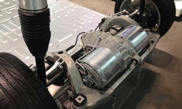tesla-model-s-motoru-elektrikli-araba-ile-tasarruf-gorselleri