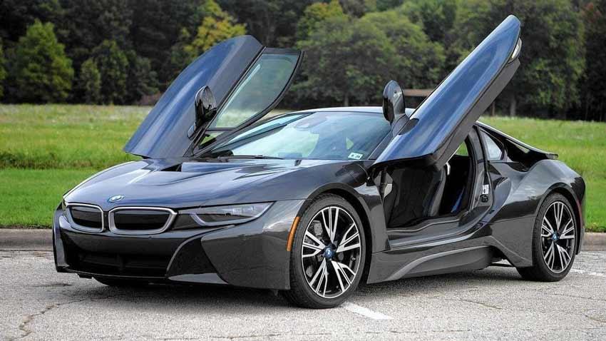 BMW i8 Fiyatları ve BMW i8 İncelemesi
