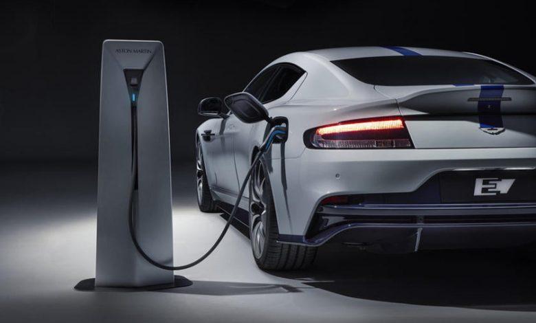 Aston Martin Elektrik Yarışını Kayıp mı Ediyor